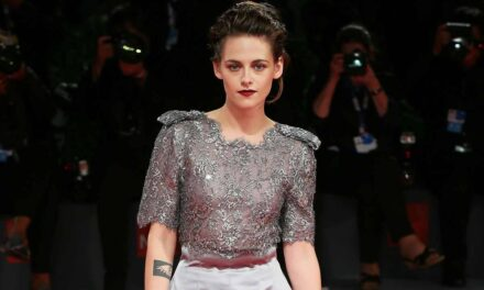 Spencer: Kristen Stewart è Lady D nella prima immagine del film di Pablo Larrain